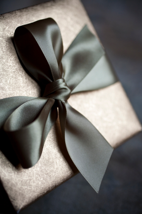 wedding gifts - just what is the appropriate etiquette ?